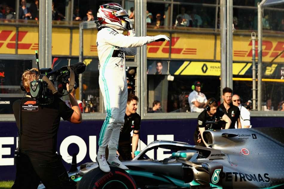 Hamilton Equals Senna Schumacher Record With Melbourne Pole