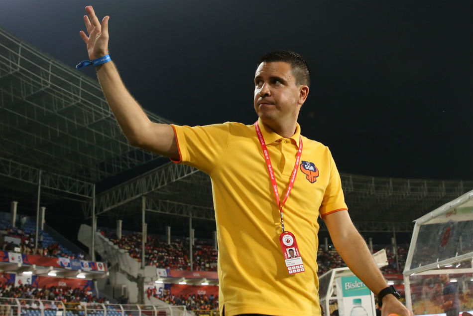 Isl Feature With Fans Behind The Team Everything Is Possib