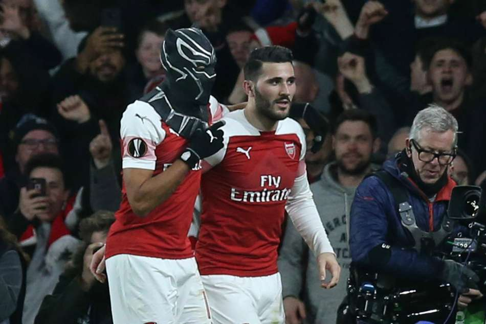Arsenal 3 Rennes 0 4 3 Agg Aubameyang Brace Sends Gunners Through