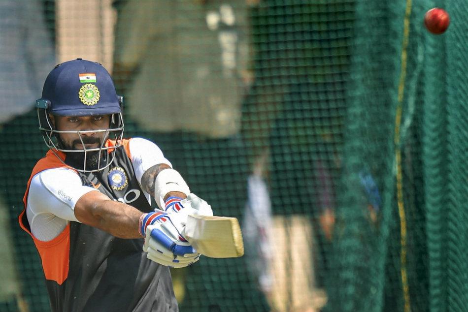 Virat Kohli Tries His Hands At New Vr Cricket Game Ib Cricket Anushka Sharma Gives Him Tips
