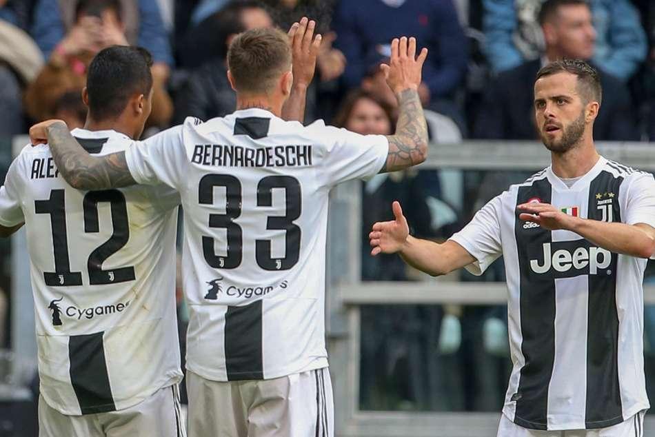 Juventus 2 Fiorentina 1 Bianconeri Bounce Back To Seal Scudetto