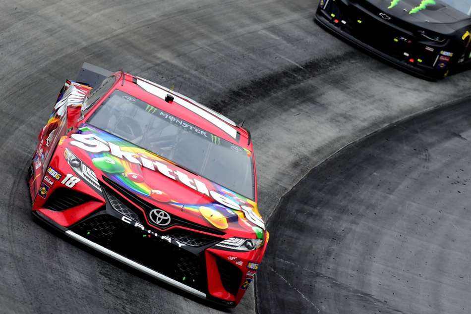 Nascar Results At Bristol Kyle Busch Beats Brother In Food City 500
