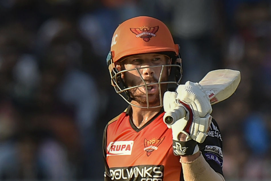 Sunrisers Hyderabad batsman David Warner kept dragging his bat inside the safe zone to ensure that he does not become Ashwins Mankad victim