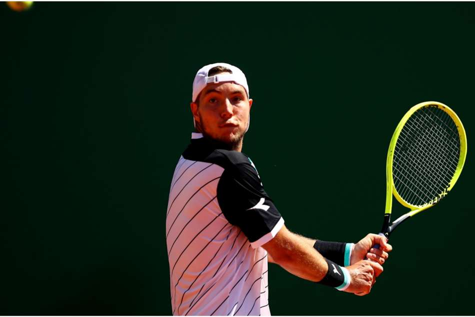 Jan-Lennard Struff in action at Barcelona Open