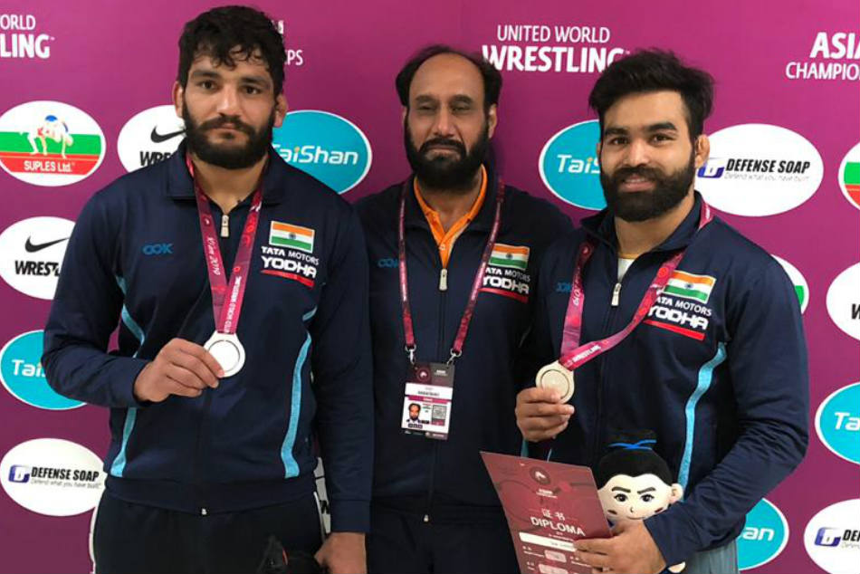 Sunil Kumar And Gurpreet Singh Win Silver As Greco Roman Wrestlers Start Campaign Asian Wrestling