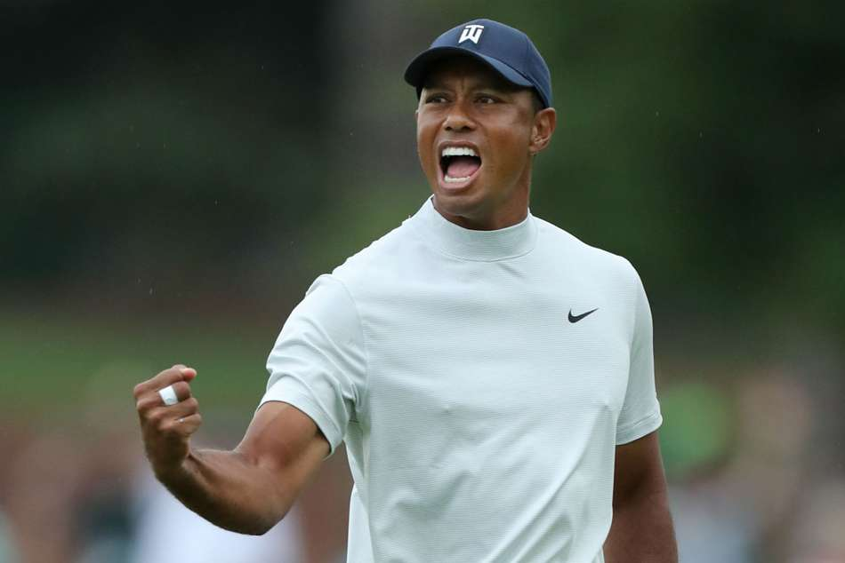Masters Round Two Review Tiger Woods One Behind Five Share Lead Augusta National