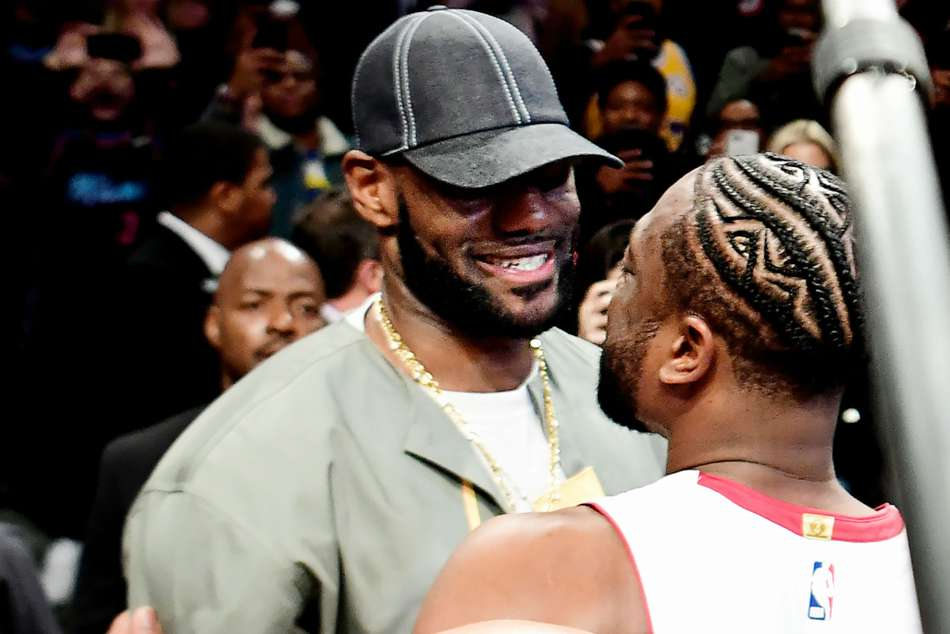 Lebron James Carmelo Anthony Chris Paul In Crowd At Dwyane Wades Final Game