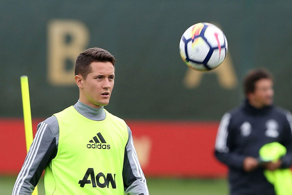 Manchester United Identify 40m Ander Herrera Replacement To Partner Paul Pogba