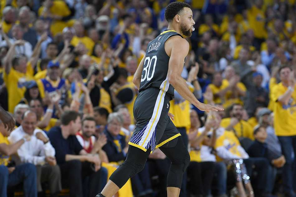 Stephen Curry Injury Update Warriors Star Finger Practices No Issues Steve Kerr Says