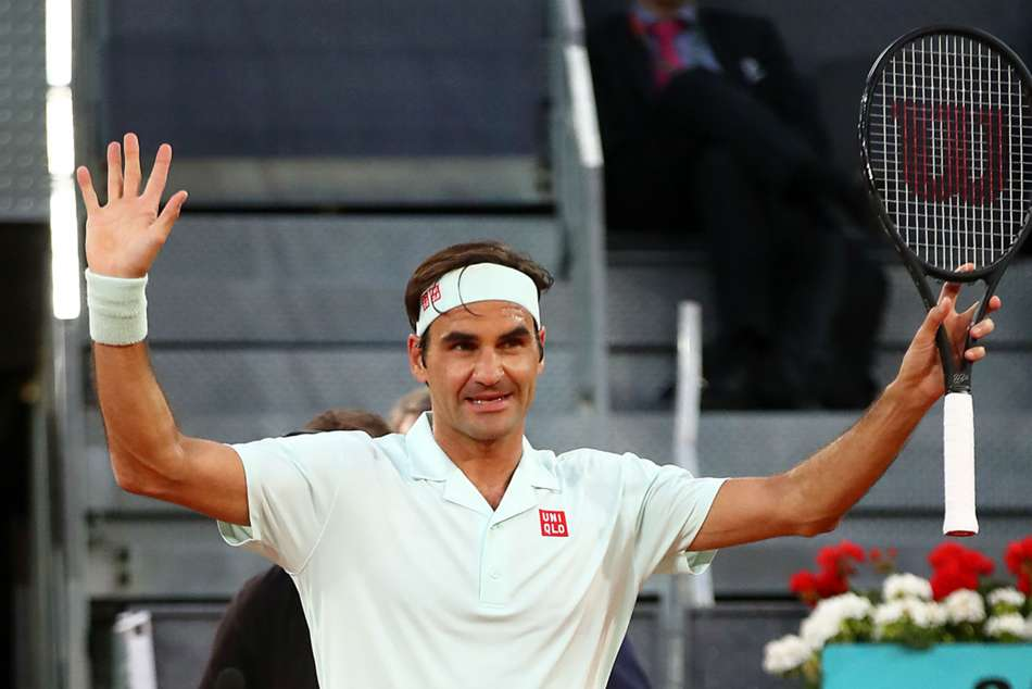 Roger Federer eased to a 6-2 6-3 victory over Richard Gasquet