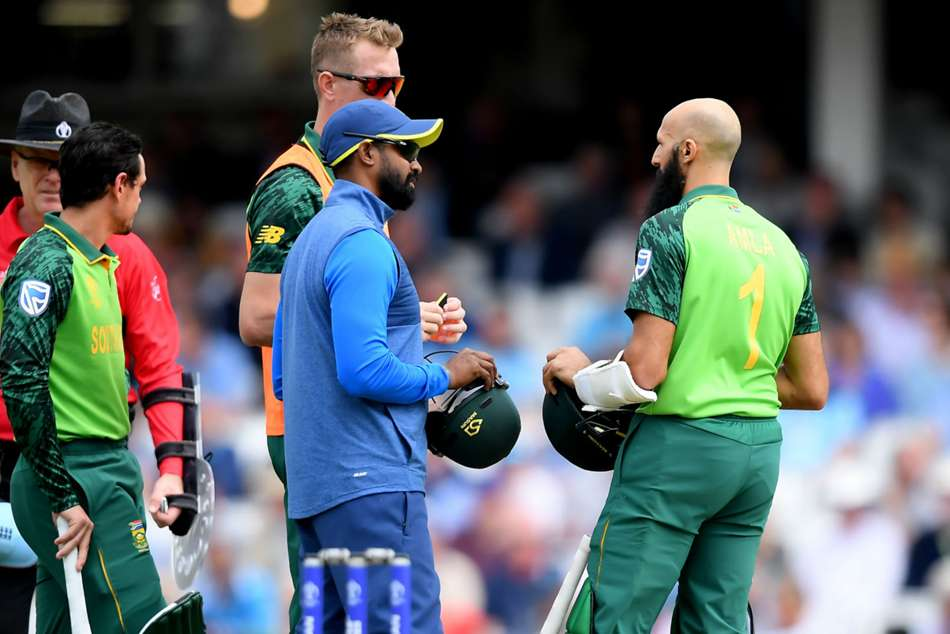 ICC Cricket World Cup 2019: England vs South Africa: Amla retires hurt after blow to the head