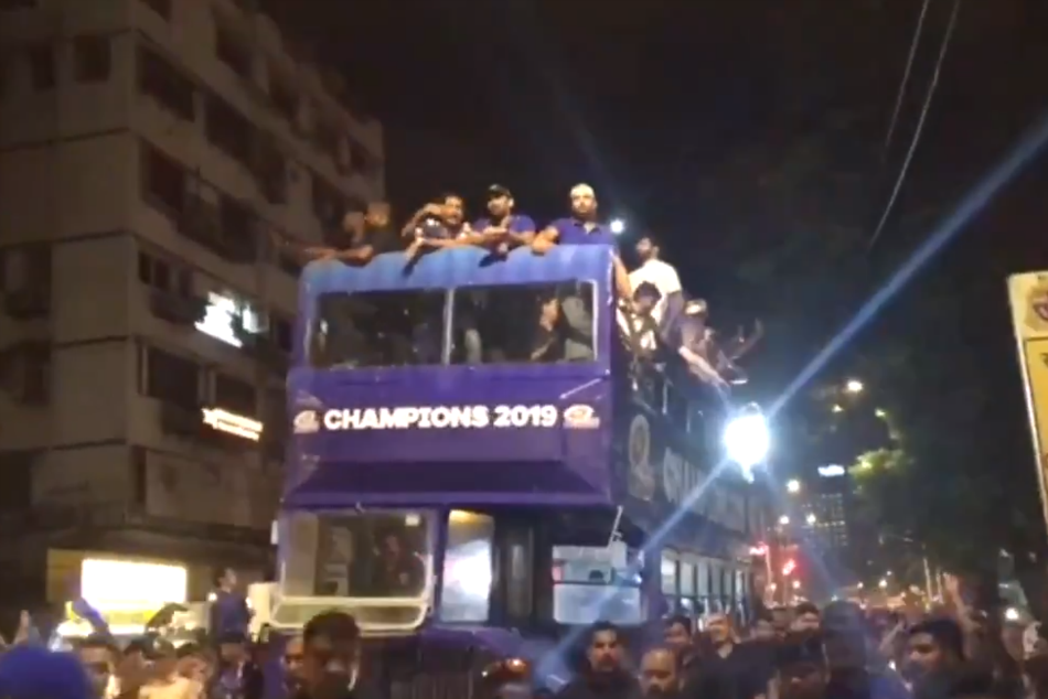 Ipl 2019 Rohit Sharma Led Mumbai Indians Carry Out Victory Procession On Mumbai Roads Watch