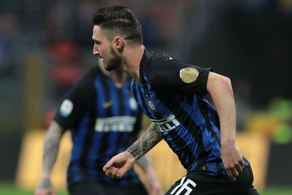 Matteo Politano Ivan Perisic Lift Inter Third Serie A