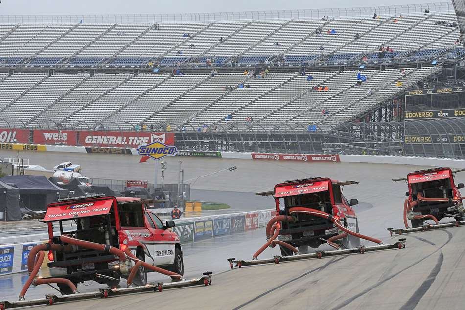 Nascar At Dover Rain Postpones Race Monday