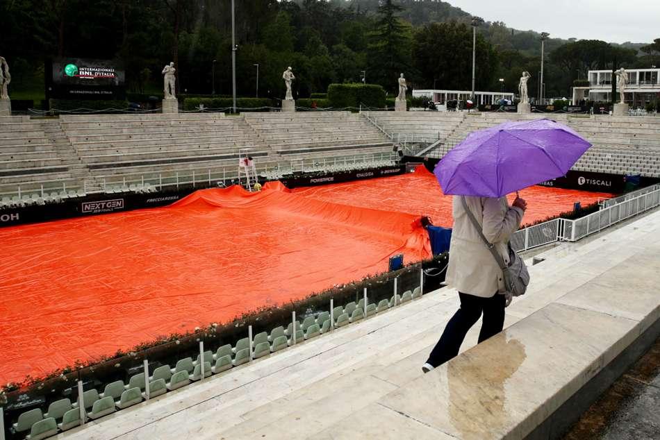 Washout Djokovic Federer Internazionali Ditalia Play Postponed Rain Rome