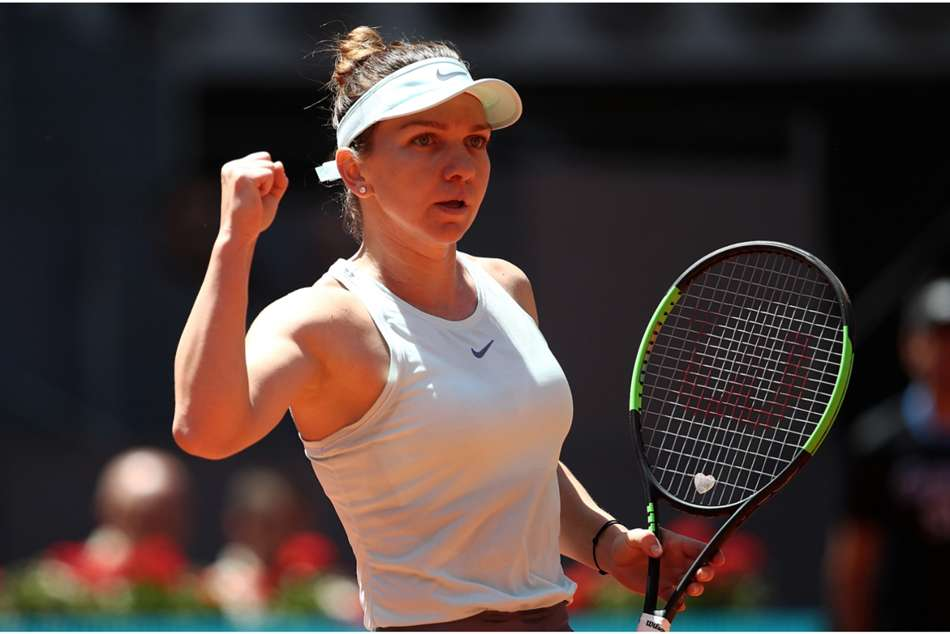 Simona Halep defeated Ashleigh Barty 7-5 7-5