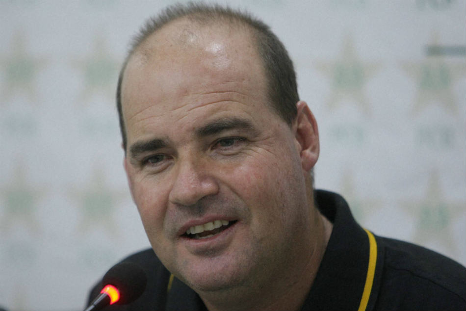 Mickey Arthur, the Pakistan coach, says he wanted to commit suicide after defeat to India