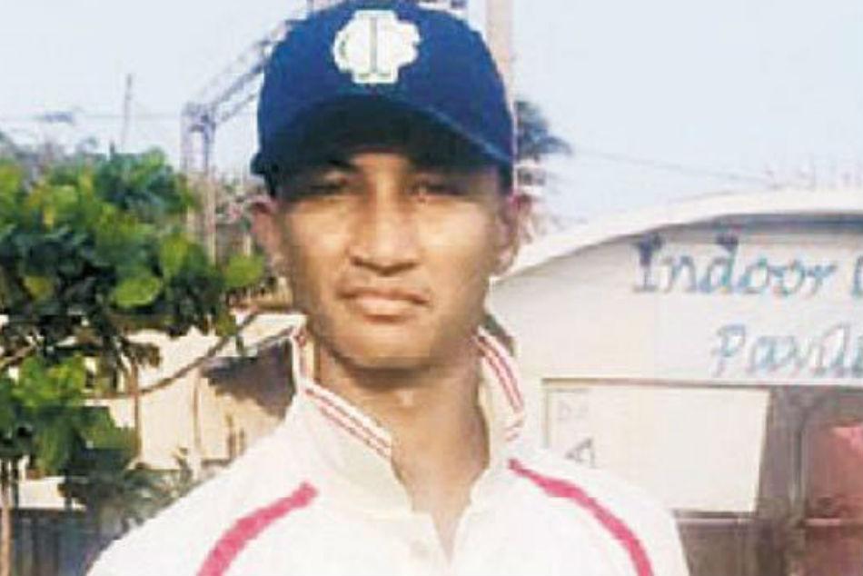 Batting coach Bangar's son gets tips from bowling coach Arun