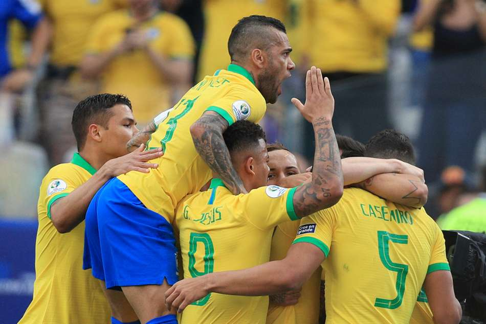 Hosts Brazil cruised through to the Copa America quarter-finals