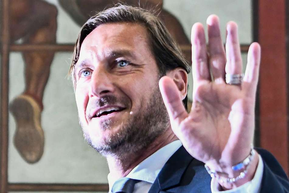 Francesco Totti Roma Hit Back At Claims Following Exit