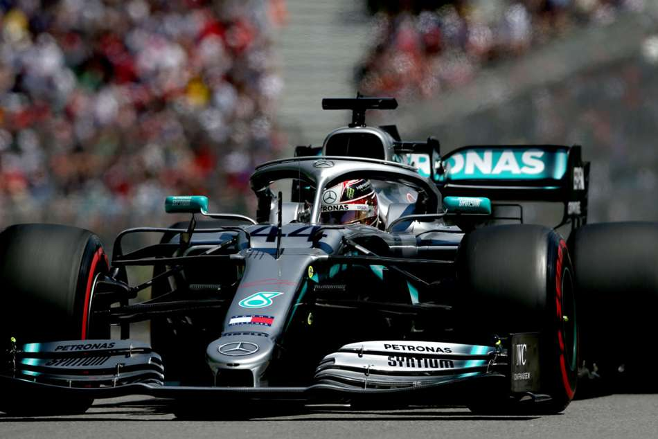 Mercedes Face Late Rush To Fix Hamilton S Car