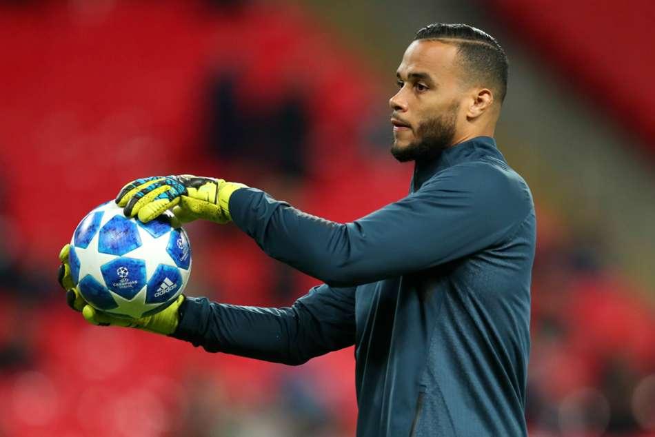 Tottenham Hotspur Confirm Michel Vorm Departure