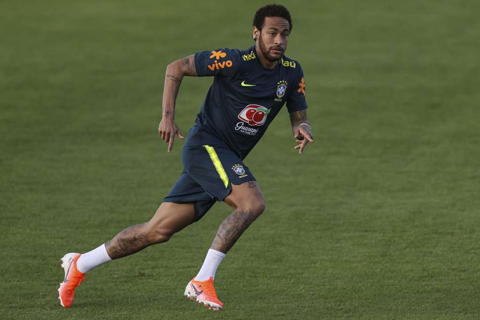 Neymar Resumes Brazil Training After Injury Scare