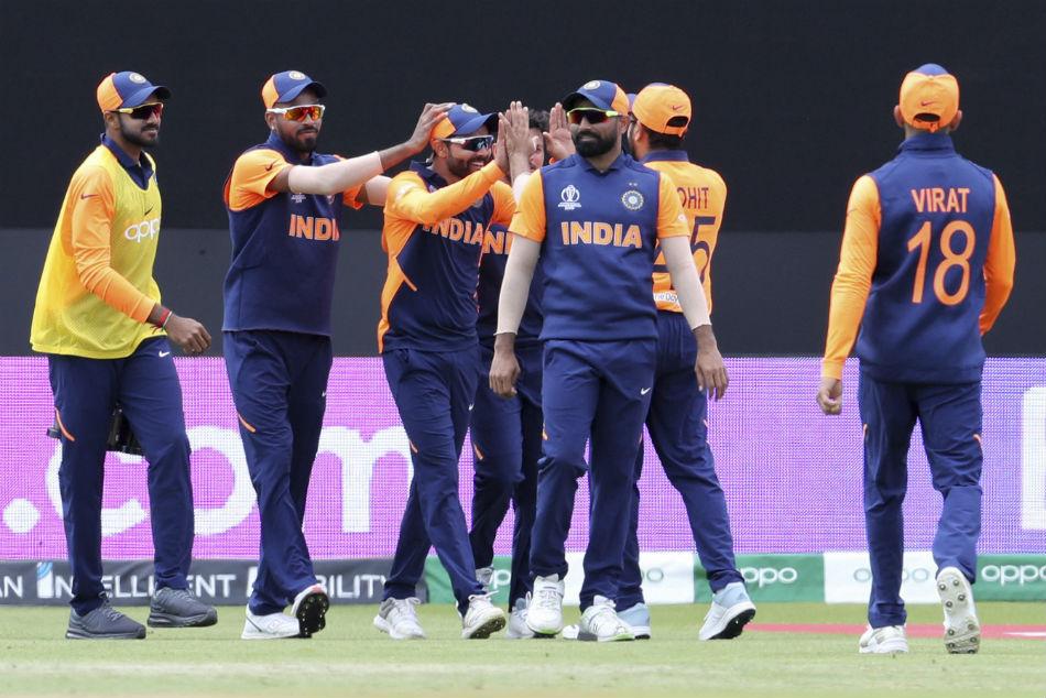 Icc World Cup 2019 India Vs England Ravindra Jadeja Takes Stunning Catch To Dismiss Jason Roy