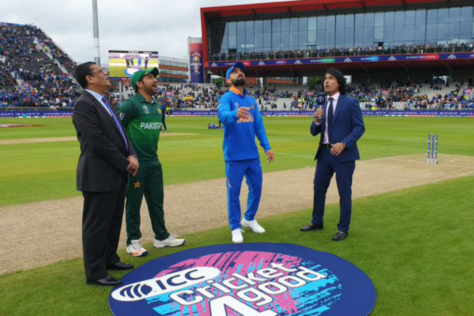 ICC Cricket World Cup 2019: India Vs Pakistan: Sarfaraz Ahmed ignores Prime Minister Imran Khan's advice