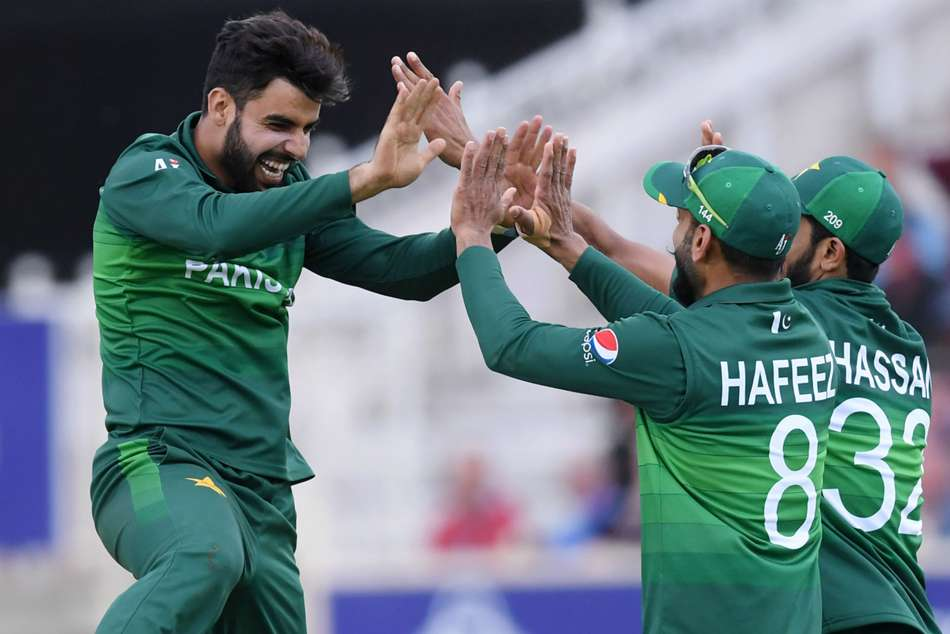 Icc World Cup 2019 Mercurial Pakistan Stun England Despite Root And Buttler Hundreds