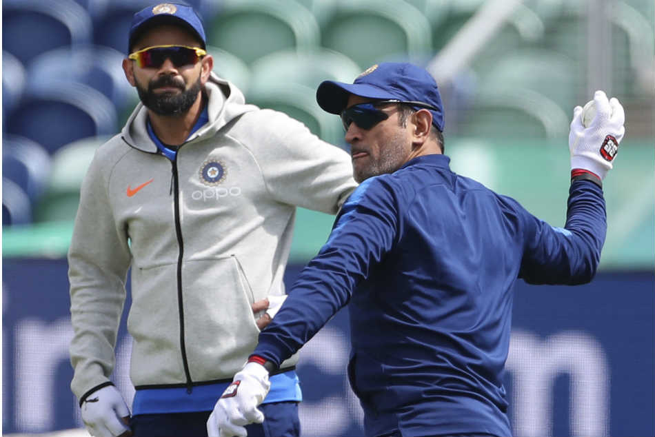 India vs Pakistan: Kohli, Dhoni drive India ahead, feel Abbas, Anwar