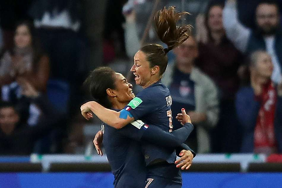 France 4 South Korea 0 Renard Headers Give Women S World Cup Hosts Flying Start