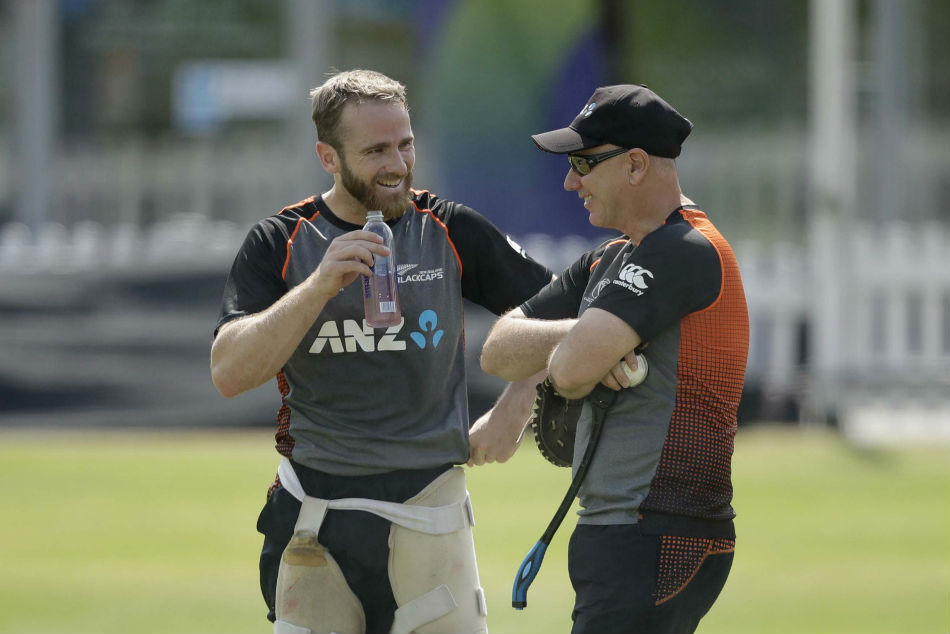 New Zealand coach Gary Stead (right) calls for ICC World Cup rules to be reviewed