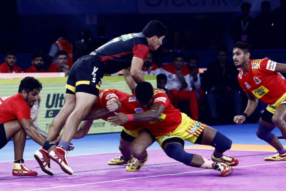 Pro Kabaddi League 2019: Match 3: Gujarat Fortunegiants make a winning start, thrash Bengaluru Bulls 42-24