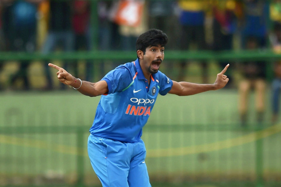 Icc World Cup 2019 Bumrah Injures Right Shoulder While Fielding