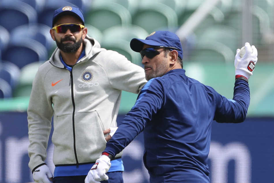 Virat Kohli let the world know of his admiration for MS Dhoni
