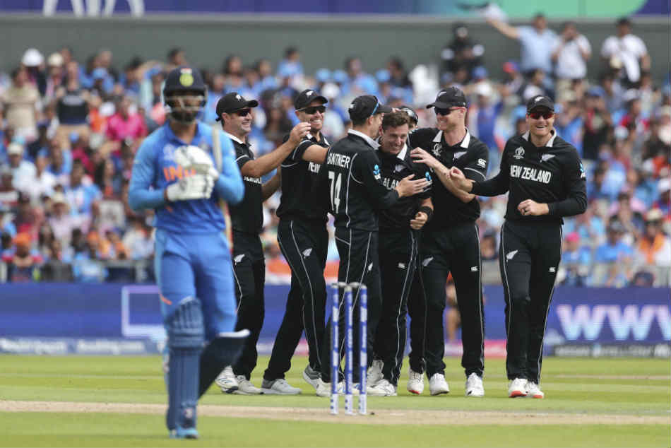 New Zealand beat India by 18 runs to enter the title round of the ICC World Cup 2019