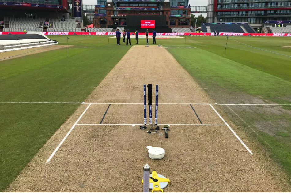 Former Cricketers Slam Slow Pitch Used For India New Zealand Semifinal