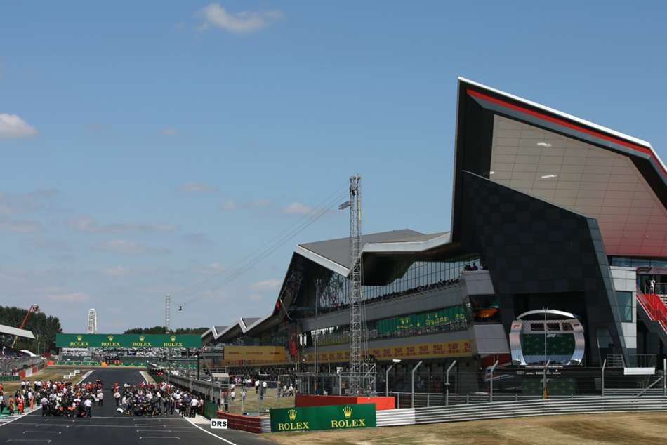 British Gp Saved After F1 Announces Silverstone Deal To