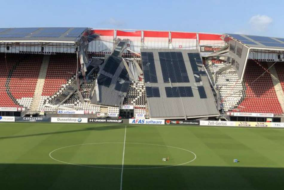 Az Stadium Roof Collapses In High Winds