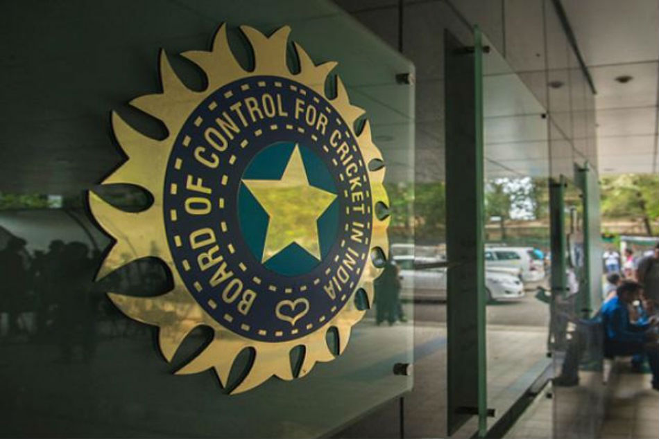 BCCI briefs players on anti-concussion helmets, says wearing neck guard is players' choice