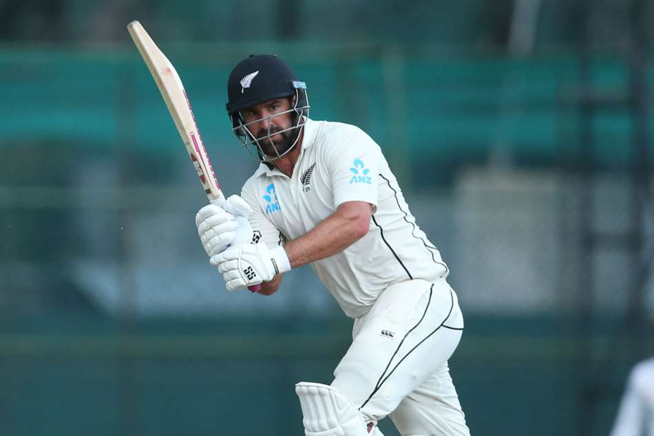 De Grandhomme and Watling give Black Caps healthy lead