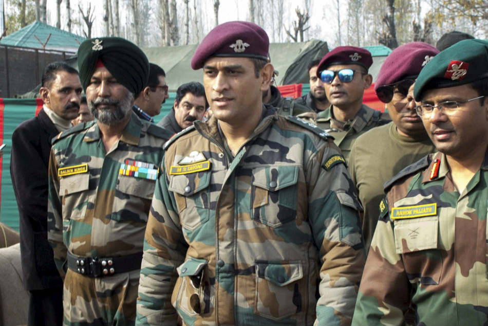 Dhoni serves Indian Army