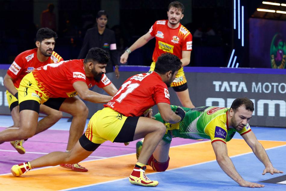 Pro Kabaddi League 2019: Rohit Gulia Super 10 helps Gujarat Fortunegiants end their losing streak, beat Patna Pirates