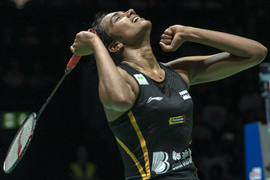 Sporting fraternity hails Sindhu's historic World C'ships gold