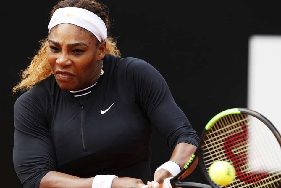 Serena Williams ecovered from a break down in both sets to claim a 6-3 6-3 victory