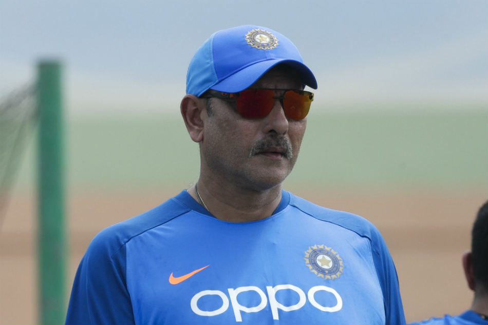 Ravi Shastri to stay as India head coach
