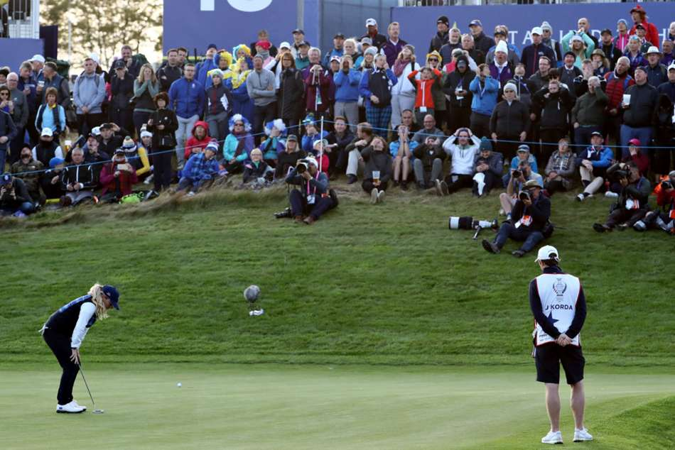 Solheim Cup Europe Lead Missed Putts Usa Slow Play Controversy