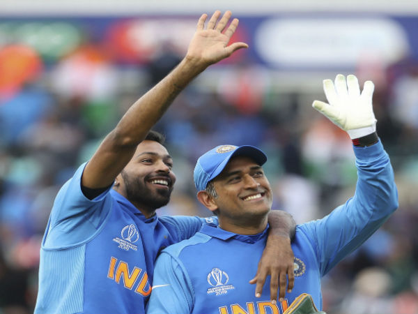 2. Dhoni is a big leader: Dhawan