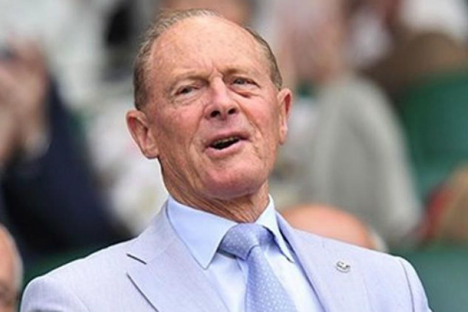 Geoffrey Boycott flays criticism of his knighthood, says he doesnt give a toss